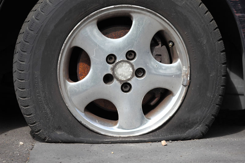 What to Do If Your Car Gets a Flat Tire